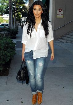 Kim Kardashian Fashion & Outfits - Page 16 - Celebrity Style Guide Winter Outfits, Summer Outfits, Casual Outfits, Cute Outfits, Winter Ootd, Denim Outfits, Torn Jeans, Skinny Jeans, Cuffed Jeans