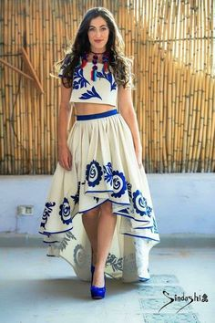 I could do without tbe necklace Mexican Theme Dresses, Mexican Outfit, Mexican Style, Gala Dresses, 15 Dresses, Fashion Dresses, Summer Dresses, Mexico Fashion, Fiesta Outfit