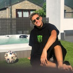 Vr46, Training, Valentino Rossi, The Twenties, Instagram Posts, Babe, Milk, Mens Tops, Fashion