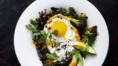 DOMINO:Fried Egg Recipes That Are Anything But Ordinary Stir-Fried Black Rice with Fried Egg and Roasted Broccoli Something about this dish makes it look super impressive and kind of intimidating to make (probably the black rice), but in reality this healthy meal takes under half an hour to complete