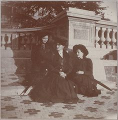 Grand Duchesses Olga and Tatiana with Empress Alexandra