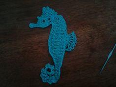 free Seahorse motif pattern by Chinami Horiba Crochet Applique Patterns Free, Crochet Bookmark Pattern, Crochet Bookmarks, Crochet Books, Thread Crochet, Free Pattern, Crochet Appliques, Crochet Fish, Crochet Home