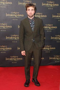 "Robert Pattinson at the ""Breaking Dawn - Part 2"" premiere in Sydney (October 22). / Robert Pattinson en el estreno de ""Breaking Dawn - Part 2"" en Sydney (22 de octubre)."