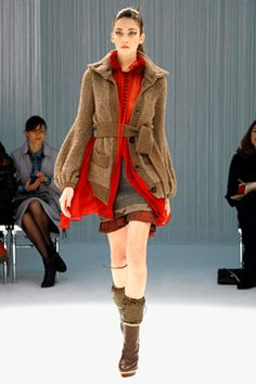The use of textures in this outfit is divine! The mixture of chunky knits with sheer fabrics looks amazing and the color choices are rich! #richcolour #styling #Sacai #FW2011 #RTW