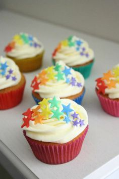 Rainbow Cupcake Idea from Sweet Snazzy Featured Baking Cupcakes, Cupcake Cookies, Cupcake Recipes, Cupcake Ideas, Rainbow Cupcakes, Yummy Cupcakes, Rainbow Food, Beignets, Sorbets