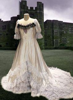 Royal Dress (Northern Lights)