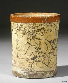 Maya vase from the Justin Kerr Data Base Aztec Art, Vases, Hand Built Pottery, Mesoamerican, Art Story, Ancient Jewelry, Religious Art, Ancient Art, American Art