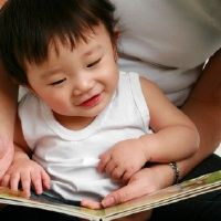 "The Secret to Raising Readers by janetlansbury: Readers read because they want to, so the secret to encouraging our children is the same for reading as it is for play, creativity, sports, hobbies, or any other intrinsically rewarding activity. We must put away our agendas. Or, as Maria Montessori might suggest, ""follow the child."" Here's how… #Kids #Reading"