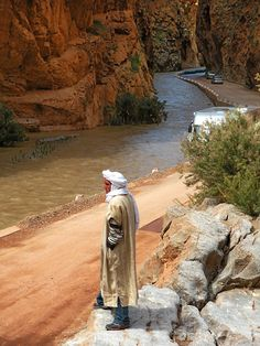 Surveying the land - Dades, Ouarzazate-Morocco. www.facebook.com/Morocco.Specialist