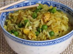 Riz au Curry et aux Petits Pois WW Veggie Recipes, Lunch Recipes, Vegetarian Recipes, Healthy Recipes, Tesco Real Food, Rice Salad, Diabetic Snacks, Party Food And Drinks, Casserole Recipes