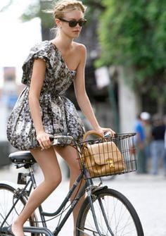 Cycling chic: 5 must-have bike accessories for spring  