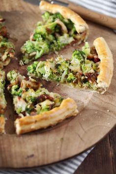 I tend to make quiches rather than savory pies. But sometimes I want a little more lightness by favoring vegetables. More and more pies pies recipes aux pommes salees soleil Quiches, Time To Eat, Healthy Cooking, Bacon, Stuffed Mushrooms, Vegetables, Ethnic Recipes, Chou Kale, Cooking