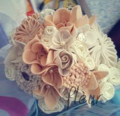 felt flowers in an ice cream cone...just beautiful
