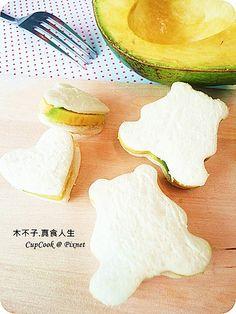 蜂蜜酪梨三明治 / Honey Avocado Sandwich