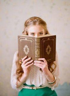 ¿Por qué te atrae tanto esta imagen?  Sin libros no hay princesas.  Ojos moderno-vintage.