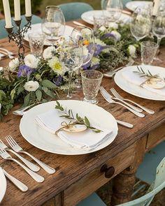 © Memory Wedding Tuscany #bestoftheday #picoftheday #memoryweddingtuscany #details #weddingtable #weddingplanner #weddingphotography #decor #tabledecor #flowers #weddingdecor #countrychic