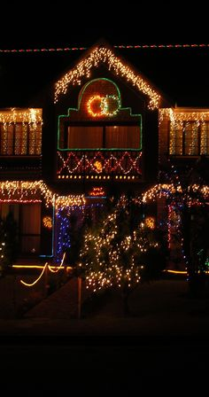 It's the last month of the year and it's time to light up your home exterior to match the holiday season. Fill it with beautiful holiday lights with our 9 amazing home exterior lighting ideas. Christmas Light Displays, Holiday Lights, Christmas Lights, Christmas Holidays, Icicle Lights, Hanging Lights, Small Outdoor Patios, Outdoor Spaces, Backyard Lighting
