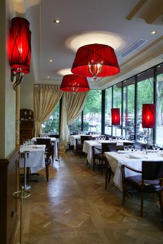 Boeuf couronne French Decor, Restaurants, Chandelier, Ceiling Lights, Lighting, Home Decor, Collection, Transitional Chandeliers, Diners
