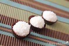 Almond Coconut Candies Recipe – another version of Raffaello Candy Recipes, Holiday Recipes, Dessert Recipes, Coconut Candy, Candied Almonds, Christmas Desserts, Christmas Goodies, Homemade Christmas, Marmalade