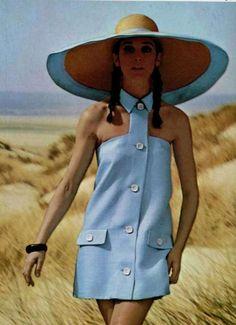 Castillo 1967 - VERY CUTE!!