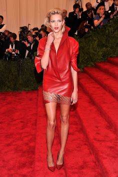 Model Anja Rubik attends the Costume Institute Gala for the 'PUNK: Chaos to Couture' exhibition at the Metropolitan Museum of Art on May 2013 in New York City. Kanye West And Kim, Anja Rubik, Costume Institute, Edgy Look, Dress To Impress, Nice Dresses, Celebrity Style, Ready To Wear, Women Wear