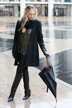Bag: Chanel. Jacket: Walker Baker. Shirt: Equipment. Leggings: Kova Boots: Zara. Gloves: H.