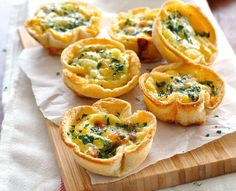 Mini quiches made using sandwich bread! Filled with bacon, cheese and egg mixture. Cute mini quiches made using plain old sandwich bread. Who can possibly resist these? Makes 6 quiches servings). Mini Quiches, Quiche Recipes, Brunch Recipes, Breakfast Recipes, Breakfast Ideas, Appetizer Recipes, Breakfast And Brunch, Breakfast Quiche, Recipetin Eats