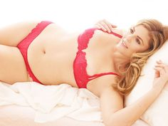 curvy plus size big girls Red Lingerie, Plus Size Lingerie, Beautiful Curves, Sexy Curves, Girl Fashion Style, Ladies Fashion, Fashion Styles, Full Figured Women, Girl With Curves