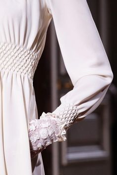 Valentino Spring 2012 Couture Fashion Show - Trend Designer Dresses Indian 2019 Style Haute Couture, Couture Details, Fashion Details, Couture Fashion, Fashion Design, Spring Couture, High Fashion, Fashion Show, Womens Fashion