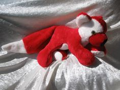 Very red #REDFOX sooo in LOVE #x-mas #Fox #handmade by TALLhappyCOLORS #softtoy #stuffedanimal #stuffedfox #plushie #red