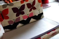 DIY Mama's Checkbook Cover | Prudent Baby    http://prudentbaby.com/2009/11/hot-mess/accessories-hot-mess/diy-mamas-checkbook-cover-2/