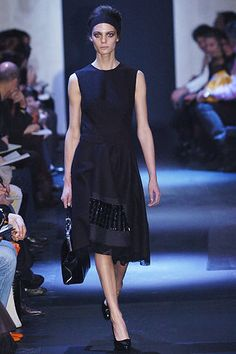 Prada Fall 2005 Ready-to-Wear Fashion Show - Sasha Pivovarova
