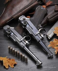 A Model 1906 six-inch barreled, commercial Luger and a Model 1908 four-inch barreled, military-configuration example Rifles, Luger Pistol, Revolvers, Ww2 Weapons, Military Guns, Cool Guns, Guns And Ammo, Shotgun, Firearms