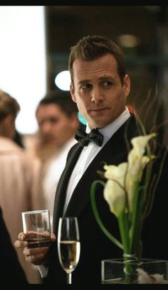Harvey Specter (Gabriel Macht) from Suits. Love the shows! Serie Suits, Suits Tv Series, Suits Tv Shows, Suits Harvey, Gabriel Macht, Harvey Specter Anzüge, Trajes Harvey Specter, Suits Usa, Mens Suits