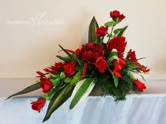 Funeral Flowers, Red And White, Frames, Table Decorations, Home Decor, Decoration Home, Room Decor, Frame, Home Interior Design
