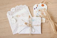 Doily Envelopes DIY by Valeria Chua. Ridiculously girly but I love it. Diy Envelope, Handmade Envelopes, Photography Packaging, Love Days, Valentines Diy, Doilies, Bridal Shower, Wedding Invitations, Projects To Try