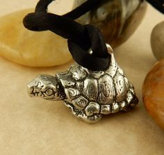Adorable Antique Vintage Pewter 3D Tortoise, turtle pendant