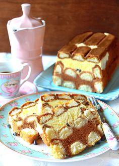 Lo stracchino della duchessa è un dolce, semifreddo, a base di crema al  mascarpone insaporita da gocce di cioccolato e cacao. Questo...