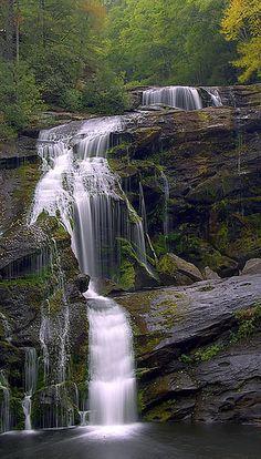 falls. reminds me of the falls in Tatitana's back yard in Cali, Columbia..
