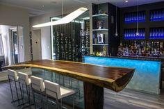 50 Man Cave Bar Ideas To Slake Your Thirst - Manly Home Bars Rustic Basement Bar, Small Basement Bars, Small Bars For Home, Basement Bar Plans, Basement Bar Designs, Modern Basement, Industrial Basement, Basement Kitchen, Dark Basement