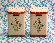 My mother's mother collected salt and pepper shakers. She would have loved these! Shoot! She probably HAD these! She had hundreds of sets of them! ~ R. Knox