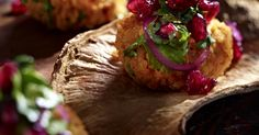 The best Red lentil cakes with pomegranate salad recipe you will ever find. Welcome to RecipesPlus, your premier destination for delicious and dreamy food inspiration. Bulgur Salad, Pomegranate Salad, European Cuisine, Vegetable Puree, Lentil Recipes, Lentils, Food Inspiration, Vegan Vegetarian, Tasty