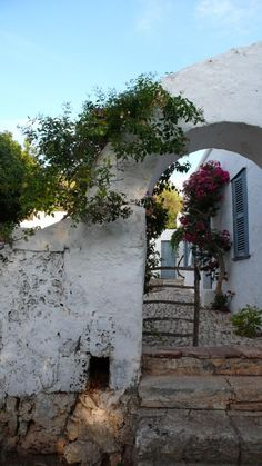 Inspirational images and photos of Spanish Inspired : Gardenista