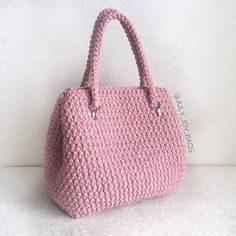 Marvelous Crochet A Shell Stitch Purse Bag Ideas. Wonderful Crochet A Shell Stitch Purse Bag Ideas. Crotchet Bags, Knitted Bags, Crochet Wallet, Crochet Gifts, Crochet Handbags, Crochet Purses, Crochet Shell Stitch, Knit Crochet, Crochet Purse Patterns