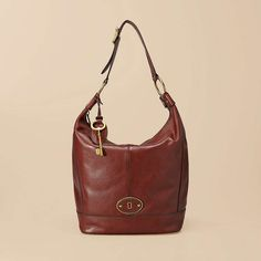 Fossil Vintage Re-Issue Hobo Bag lovely. Fossil Purses, Fossil Handbags, Fossil Watches, Fossil Bags, Hobo Bag, Backpack Bags, Vintage Bags, Vintage Ladies, Brown Leather Handbags