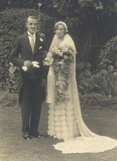 Vintage wedding photograph of bride and groom. Sitters unknown. Circa 1900/1910.