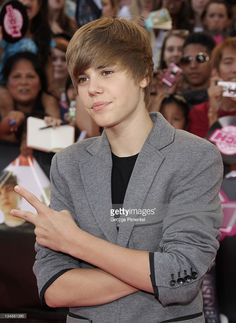 Singer Justin Bieber arrives on the red carpet of the 21st Annual MuchMusic Video Awards at the MuchMusic HQ on June 20, 2010 in Toronto, Canada.