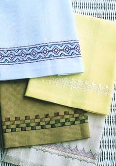 Swedish Weaving More Towels by In A Gentle Fashion Weaving Designs, Weaving Projects, Huck Towels, Swedish Weaving Patterns, Pin Weaving, Swedish Embroidery, Monks Cloth, Crafty Craft, Cross Stitching
