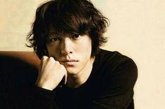 関ジャニ∞ 丸山隆平 Crazy About You, Japanese Boy, A Good Man, Boy Bands, Actors & Actresses, Poses, Guys, Celebrities, Infinity