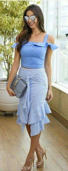 Fashionable Look With Ruffle Skirt Outfit Ideas 12 – Fiveno Skirt Outfits, Cool Outfits, Summer Outfits, Fashion Outfits, Dress Summer, Latest Fashion For Women, Womens Fashion, Ruffle Skirt, Ruffles